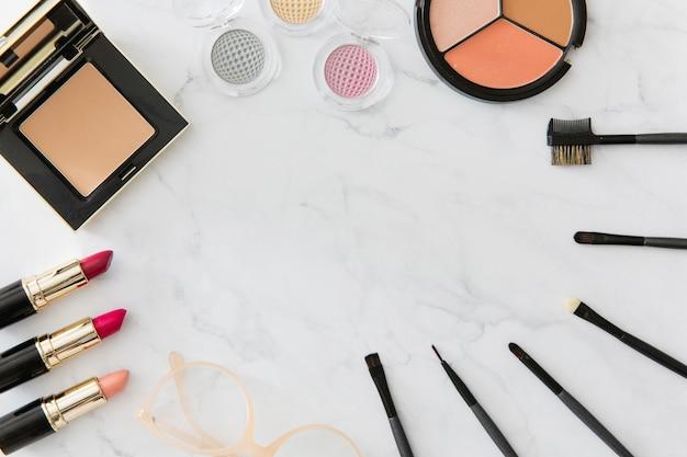 Applicators and cosmetics composition