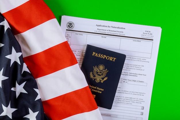 Анкета, паспорт и флаг сша