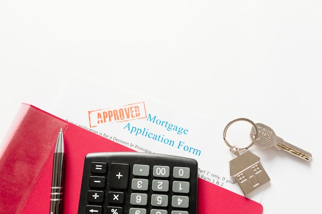 Approved mortgage and house key