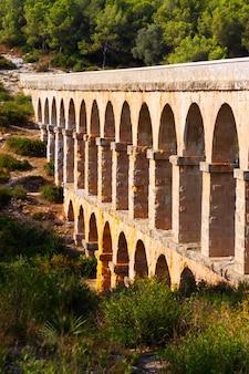 タラゴナのaqueduct de les ferreres。カタロニア、スペイン