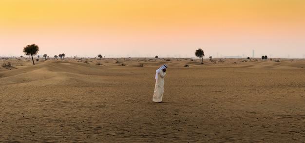 砂漠のアラブ人