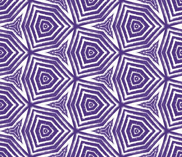 아라베스크 손으로 그린 패턴. 보라색 대칭 만화경 배경입니다. 오리엔탈 아라베스크 손으로 그린 디자인. 텍스타일 레디 뷰티어스 프린트, 수영복 원단, 벽지, 랩핑.