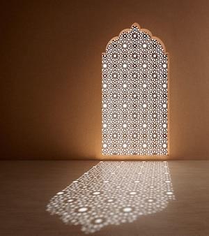 Интерьер в арабском исламском стиле, пустая комната с арочным окном и тенью на полу