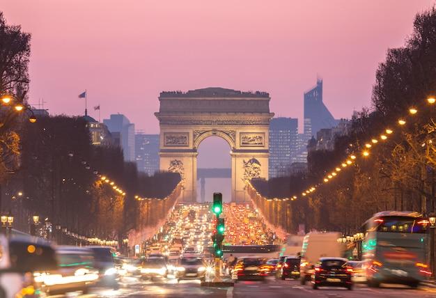 Триумфальная арка елисейские поля париж франция