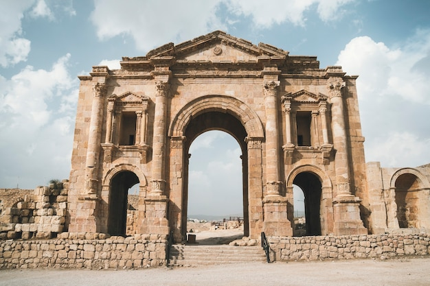 Arch of hadrian in the ancient jordanian city of gerasa, preset-day jerash, jordan. it is located about 48 km north of amman. ancient roman city of jerash is one of the main attractions of jordan.