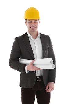 白のヘルメットの建築家の男