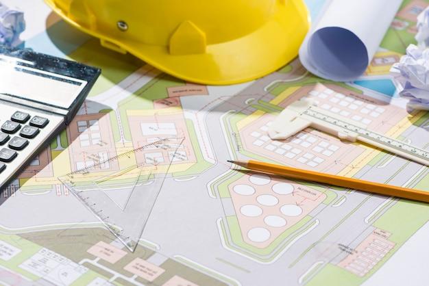 건축가 직장 - 청사진이 있는 건축 프로젝트.