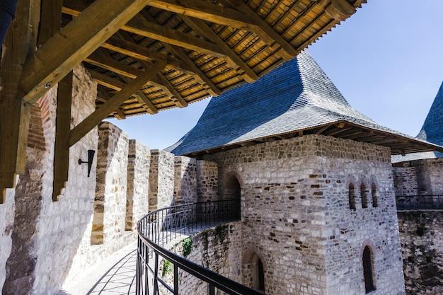 Архитектурные детали средневекового форта в сороках, республика молдова.