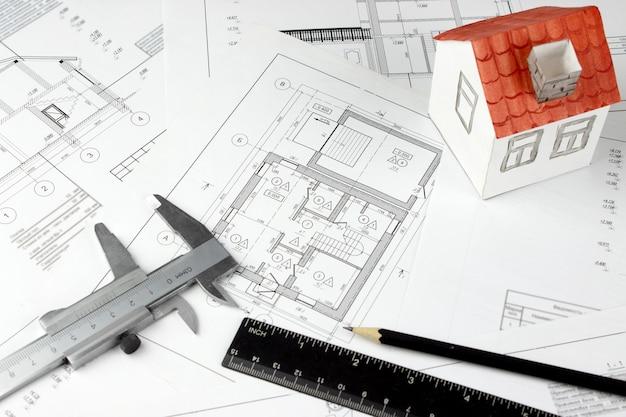 Архитектурные чертежи новой квартиры, недвижимости, здания, строительства, концепции архитектуры.