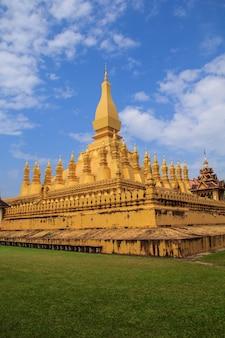 タイの建築仏教美術の壮大な寺院。