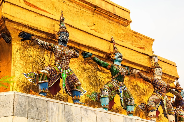 Architecture giant buddhist artwork spectacular temple  in thailand.