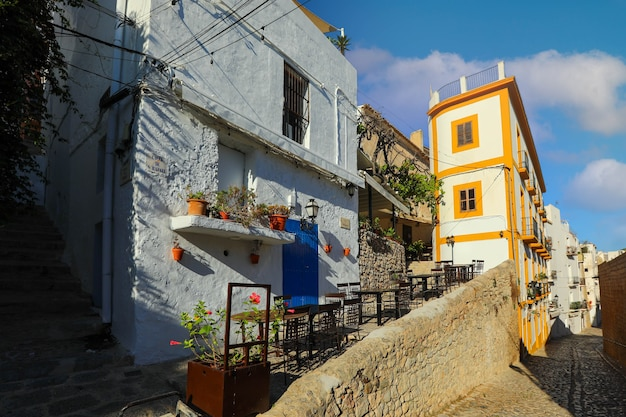 스페인 이비자 섬의 에이비사의 구시가지에 있는 건축. 지중해 스타일.