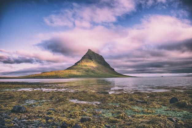 ニュージーランド、アーチウェイ島