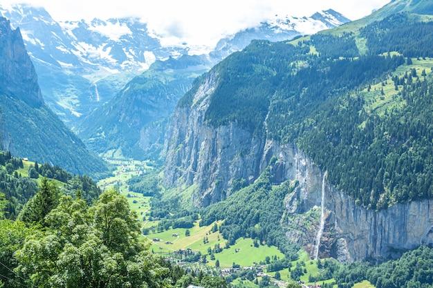 Область между лаутербруннен, гриндельвальд и интерлакен, швейцария