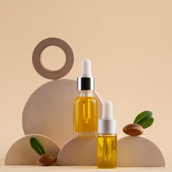 Assortimento di olio di argan in flacone contagocce