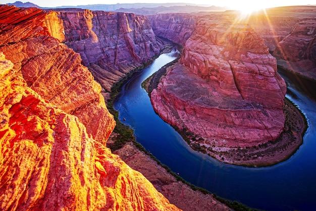 Arizona horseshoe bend in grand canyon.