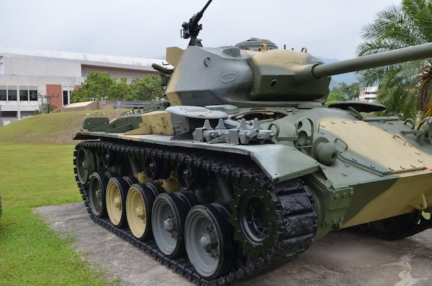 軍の森のタンク