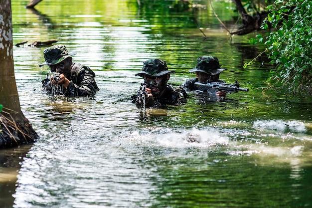물에서 전투 계획의 육군 시뮬레이션