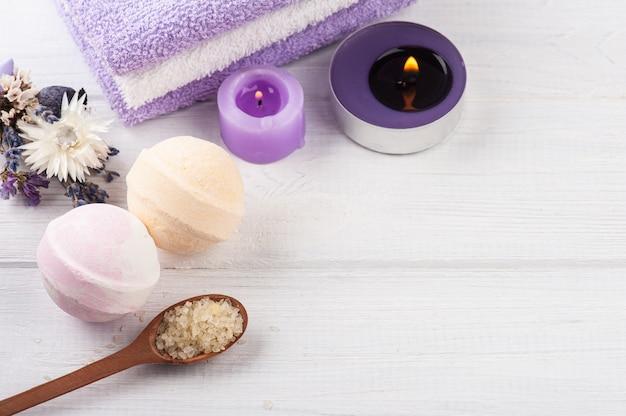 アロマソルトとバスボム、紫色の軽石、ラベンダー、spaアレンジメント
