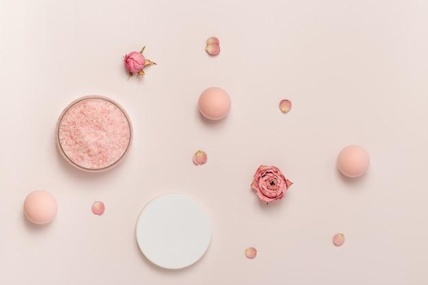 로즈 스파 조성물의 에센셜 오일 꽃과 바다 소금의 방향족 결정 화장품 욕실 제품