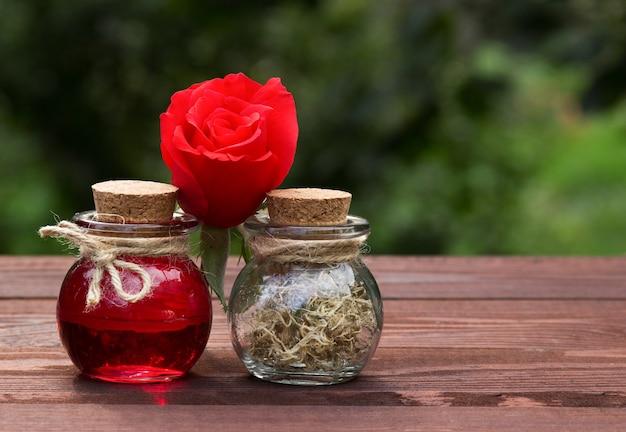 Ароматическое розовое масло и сушеные водоросли, красота и уход за телом