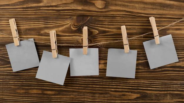Arrangement of blank sticky notes
