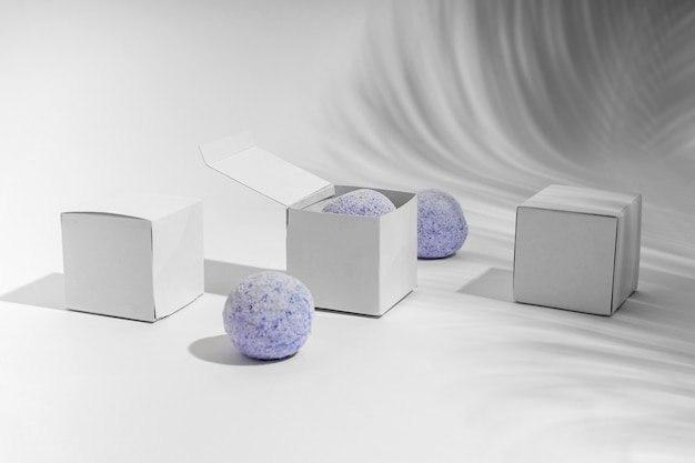 Arrangement of blue bath bombs