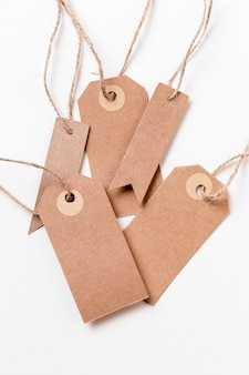 Disposizione delle etichette di cartone vuote