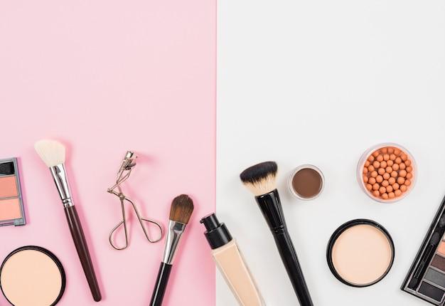 Arrangement of facial makeup product