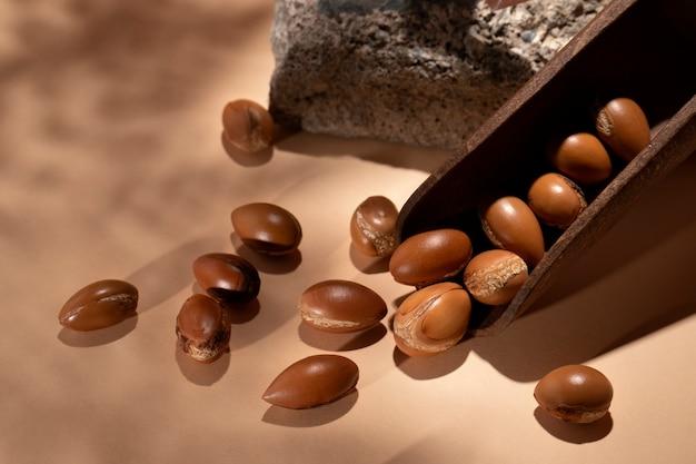 Disposizione dei semi di argan naturali