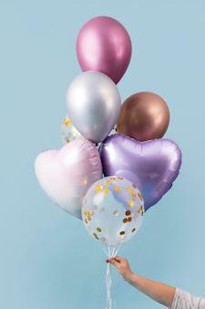 抽象的なお祝いの風船の配置 無料写真