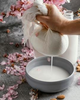 Композиция из миндального молока на столе