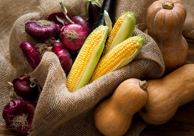 Композиция из вкусных осенних овощей