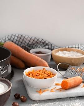 Композиция из вкусного полезного десерта с морковью