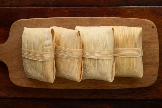 美味しい伝統的なタマーレのアレンジメント