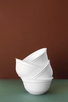Расстановка экологически чистой посуды
