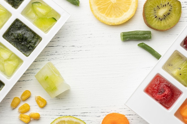 복사 공간이있는 냉동 식품 배치