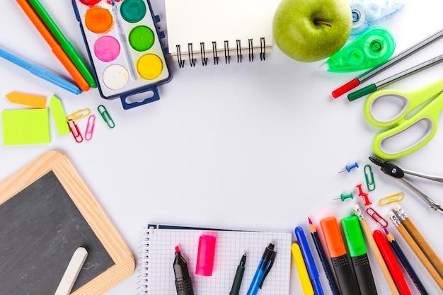 Организация школьных материалов