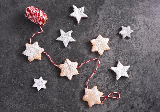 Композиция из сладких блюд на рождество
