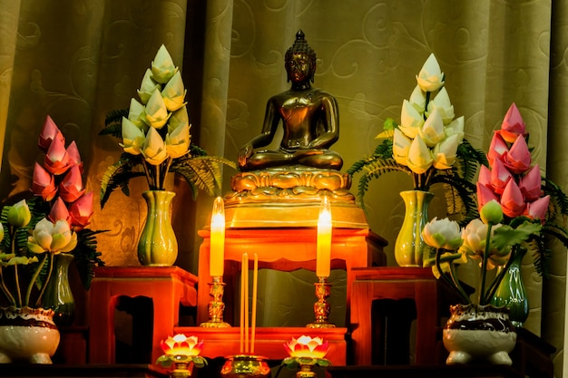 Arrangement of offerings in buddhism's faith