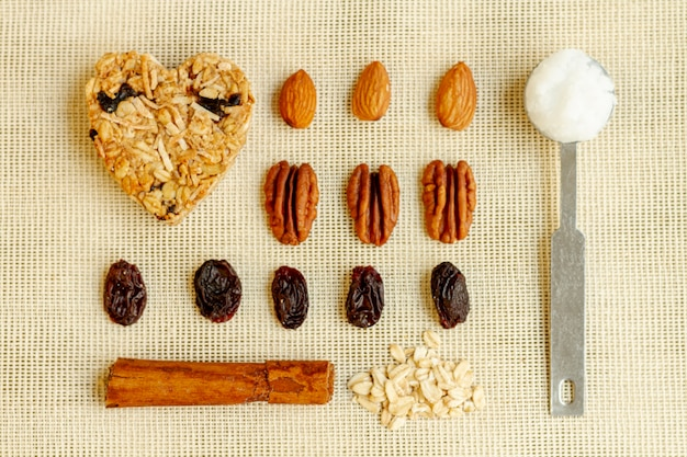 Arrangement of raisin and nuts