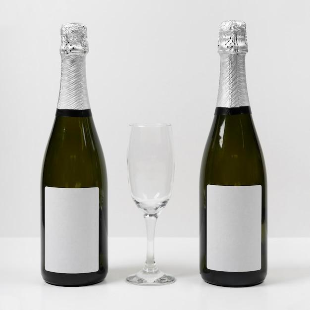 ボトルとガラスのアレンジメント