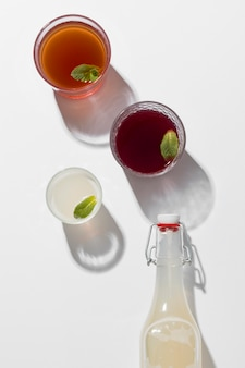 Композиция с вкусными кисломолочными напитками