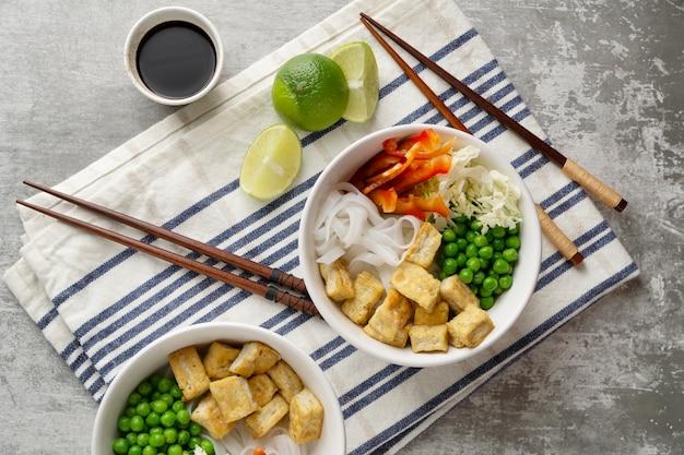 Accordo con delizioso pasto vegano