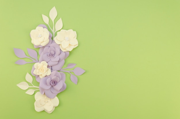 Arrangement with flowers and green background