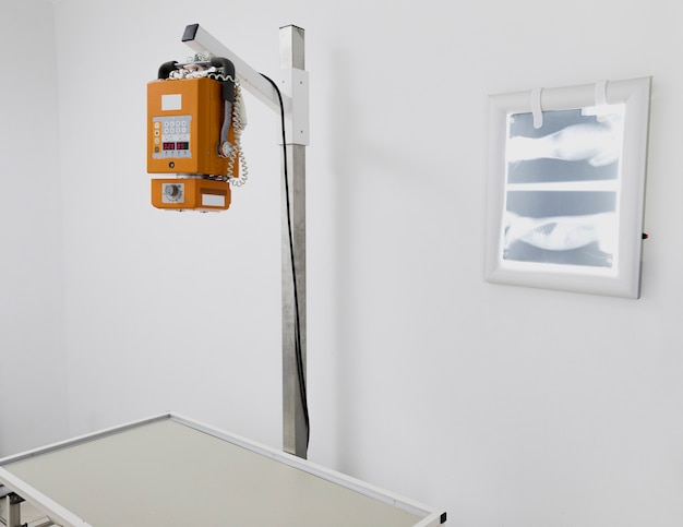 Arrangement with medical equipment and radiography