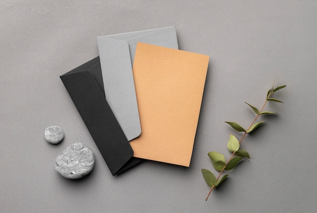 Arrangement with stationery elements on grey background