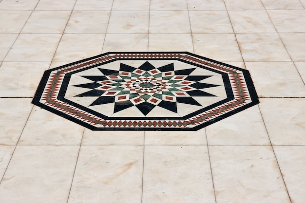 Искусство в музее аль-тайебат в городе джидда, саудовская аравия