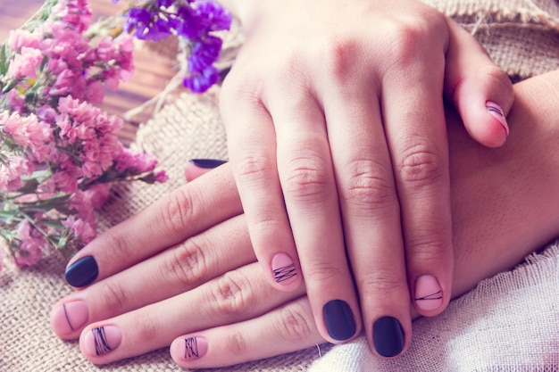 Art  manicure and flowers