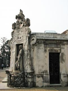Art nouveau statue